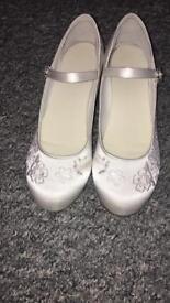 Girls communion shoes size 3