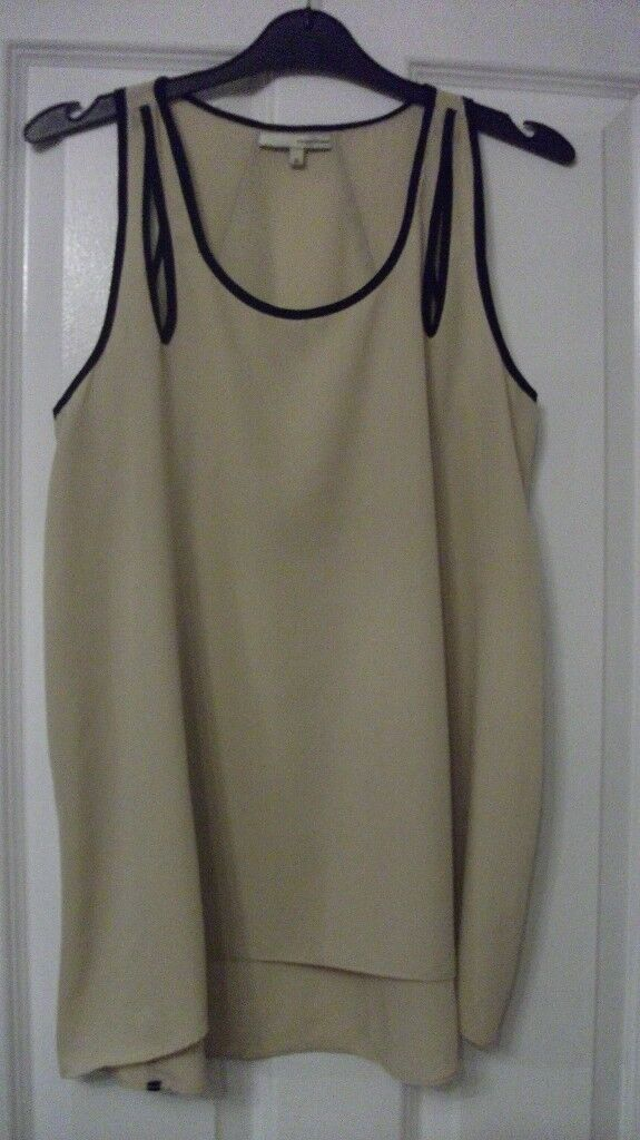 River Island top size 10