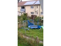 trampoline no netting as broke but dint affect use