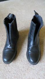 Ladies horseriding boots