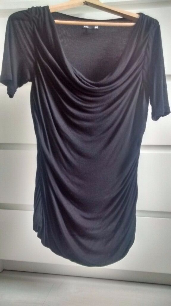H&M MATERNITY medium size Elegant Black Top short sleeves and drape effect front