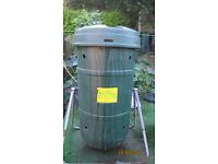 """""""Tumbler"""" aerobic compost maker"""