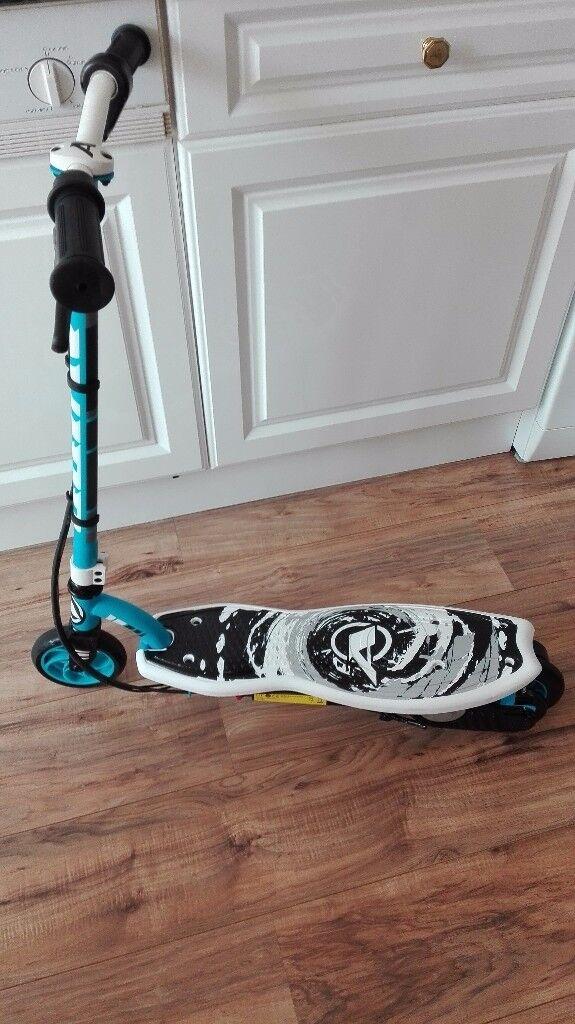 Avigo electric scooter immaculate condition