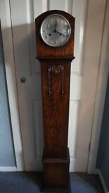 ANTIQUE GRANDMOTHER CLOCK / GRANDDAUGHTER CHIME CLOCK WITH KEY WORKING.