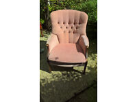 Parker Knoll button back bucket chair in good condition