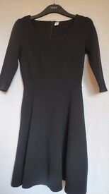Old Navy Petite Black Dress. Size XS. Used. Good Clean Condition.