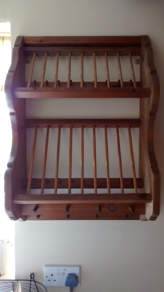 Penny Piece Wall Mounted Wooden Plate and Cup Rack in
