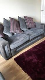 Excellent condition 3&1&1 sofa and chairs like new *******£550 ONO call or text 07944622232