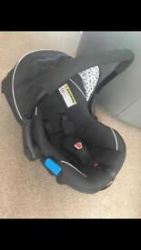 Silver Cross newborn car seat and Isofix base