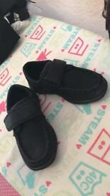 Toddler black shoes size 7-8