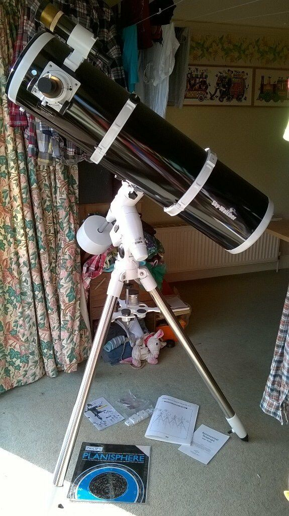 Newtonian Reflector BKP2001HEQ5. Virtually unused. Excellent condition. £300 ono