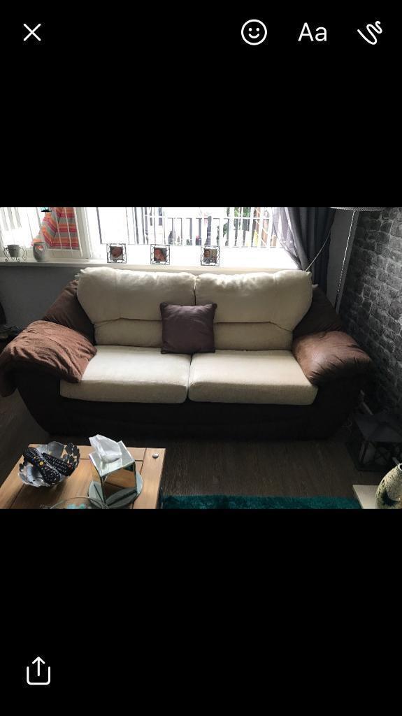 DFS Three piece suite