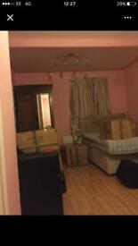 Large en-suite double room available for rent..!!