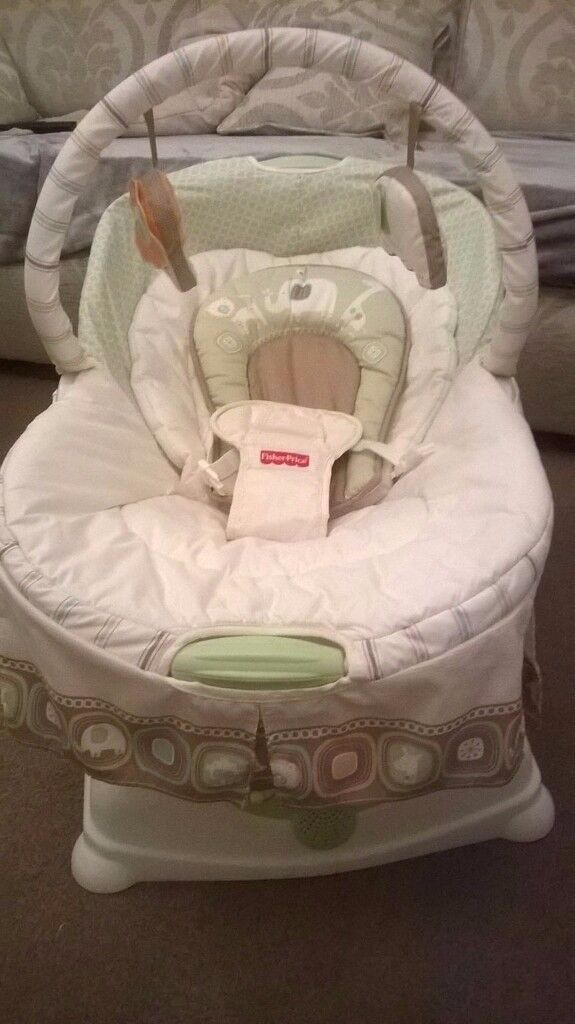 Fisher Price Soothing Motions Coco Glider