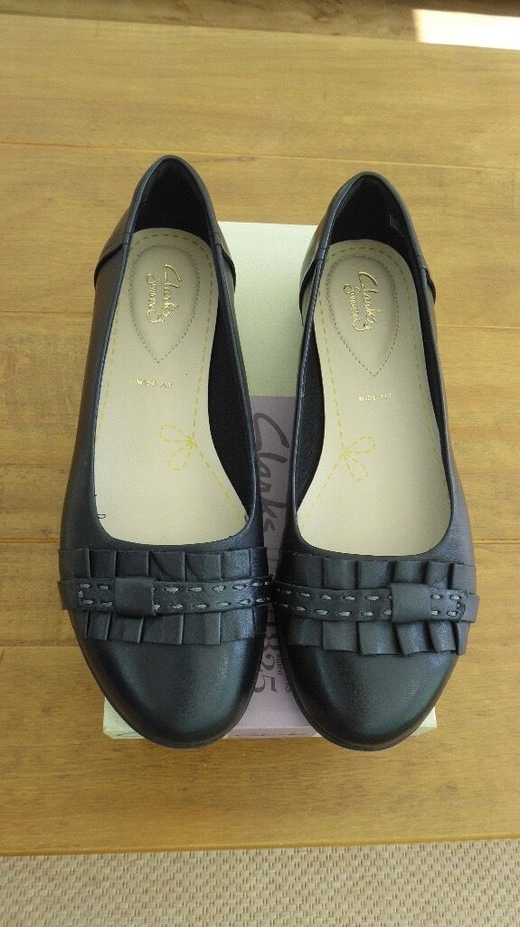 Clarks black leather shoes, size 6, Wide Fitting, BNIB, £21