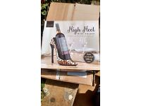 DECORATIVE WINE HOLDER