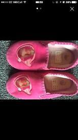 Girls barbie slippers size 10