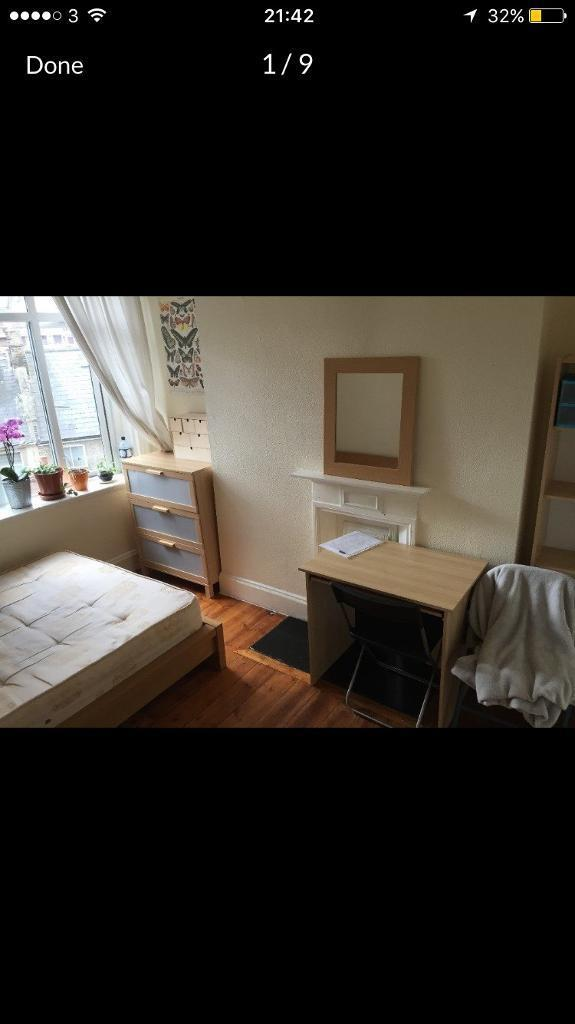 Double double bed room to rent on old Kent road