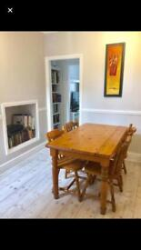 Large Double Room in Professional House Share - Central Derby