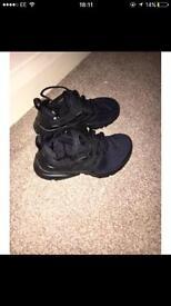 Brand new black Nike prestos