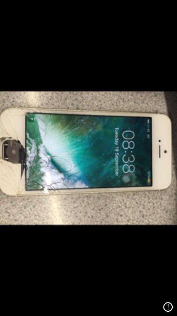iPhone 5s gold UNLOCKED
