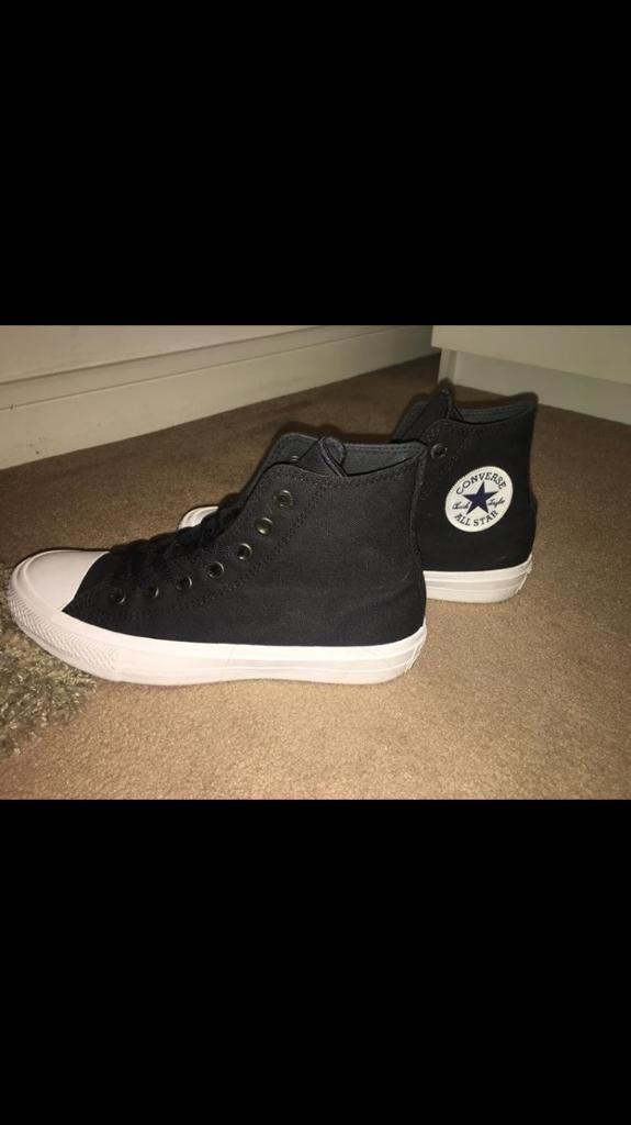 Black and White Converse size 5