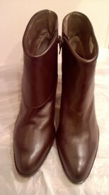 LEATHER ANKLE BOOTS (NEW, NEVER WORN) BROWN SIZE 37
