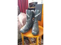 Daytona Road Star Boots size 8