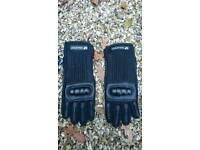 Kids gauntlet/biking gloves.