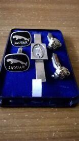 2 sets of genuine Jaguar cufflinks and pin tie!!