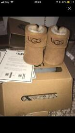 Girls ugg boots 0-6