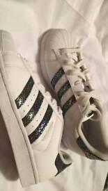 Size 5 - Adidas Superstars