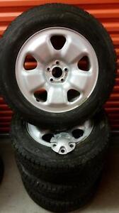 (145) Pneus d'Hiver - Winter Tires 225-65-17 Dunlop