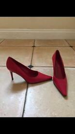Red Jones high heels size 5