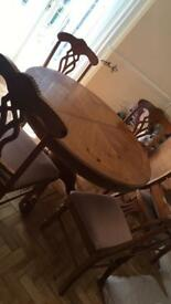 Beautiful wooden pine (extendable) table and chairs