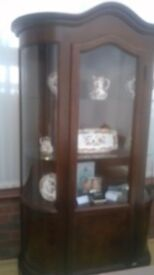 Beautiful italian glass display cabinet from a smoke and pet free home in fab condition