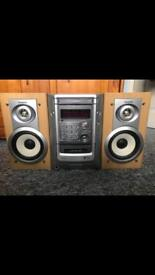 Aiwa stereo with speakers