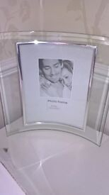 Curved Glass 6in x 8in Photo Frame