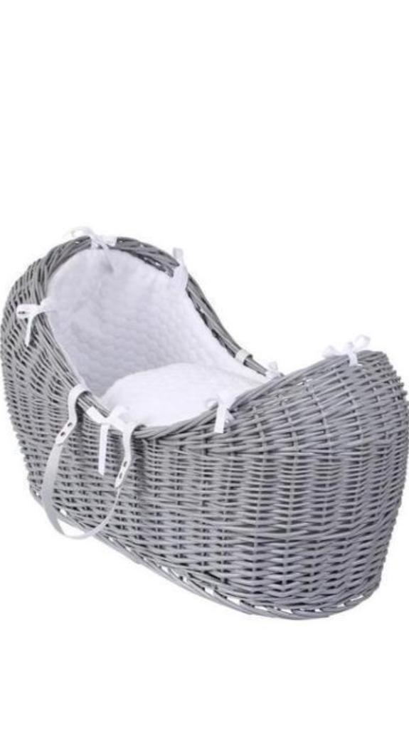 Moses basket/Pod and stand