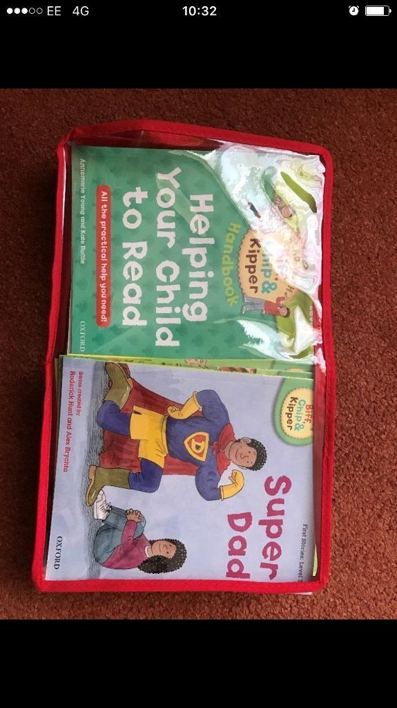 A £163 worth collection of phonics and stories (33 books, levels 1-3)