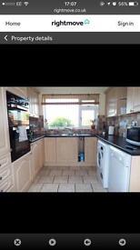 3 bedroom semi in Gloucester to rent
