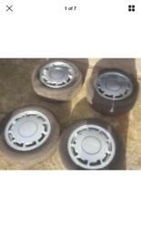 Pirelli p slots good tyres and centre caps 4x100 VW