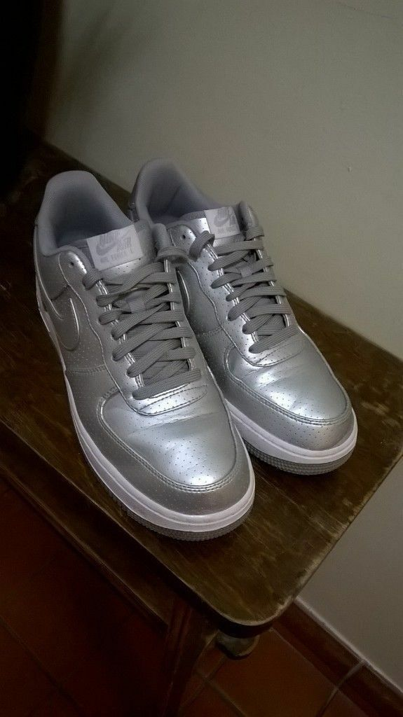 Nike Air size 9 silver 1992 design (£50 new) one week old central London  bargain. West End, London ...
