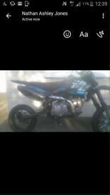 Welsh Pit Bike 125cc *twin exhaust plus extra parts