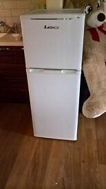 Small fridge freezer LEC
