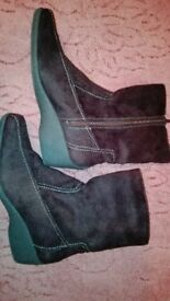 brown suede boots size 7 new. never worn.