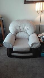 3 seater sofa 2 chairs 2 months old 300 / cost 799