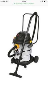 Wet and dry carpet vacuum cleaner