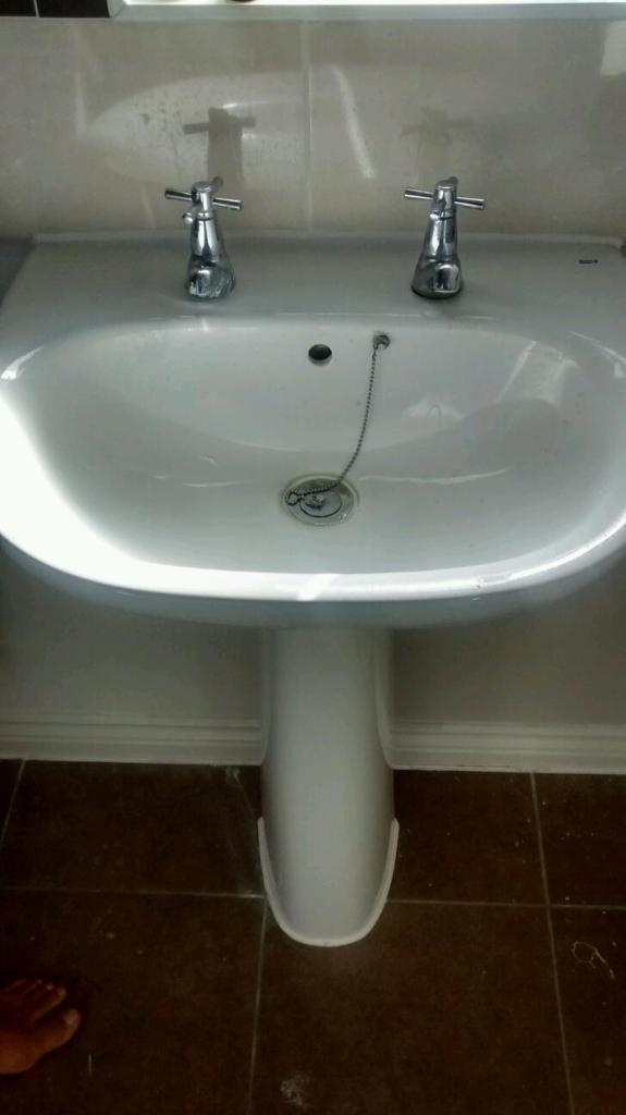 roca bathroom sinks roca bathroom sink with pedestal in basingstoke 14235