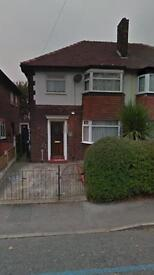3 bedroom semi large garden dss welcome stockport